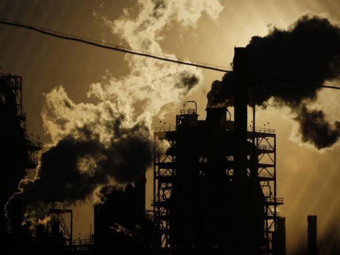 """""""中东紧张局势导致油价上涨 原油库存增加限制收益"""