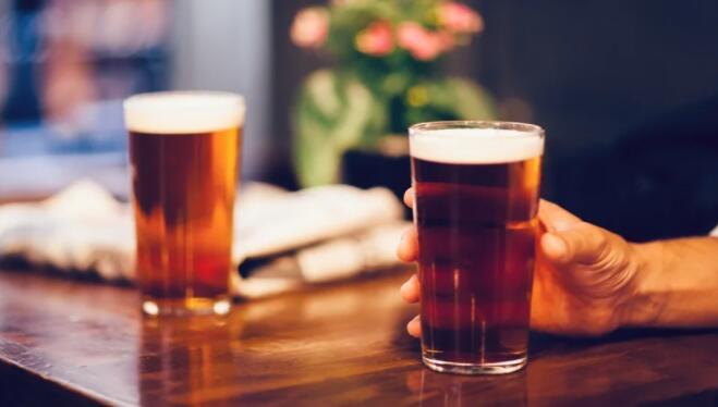 """""""爱尔兰葡萄酒商联合会表示预算必须包含支持酒吧的措施"""